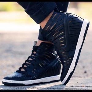 Nike black Sky Hi Wedge Joli